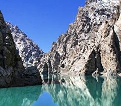 Высокогорное озеро Кёль-Суу. Архивное фото