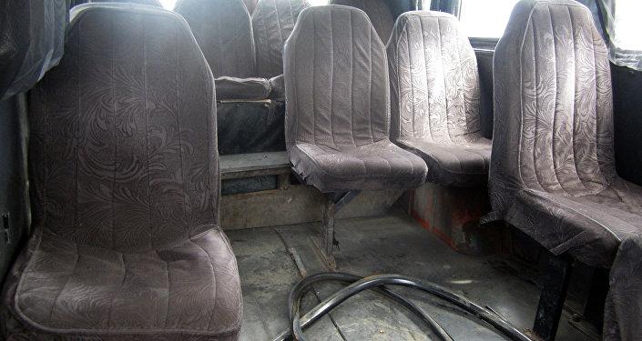 В Бишкеке в связи с неудовлетворительным техническим состоянием на штрафную стоянку водворены 282 микроавтобуса.