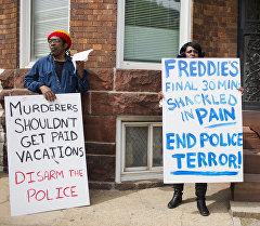 Сурамжылоо: америкалыктар полициянын арасында расистик маанай бар экенин белгилешет