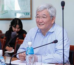 Мэр Бишкека Кубанычбек Кулматов. Архивное фото