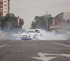 Соревнования по автослалому в Бишкеке. Архивное фото