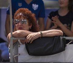 Бабушка с очками. Архивное фото