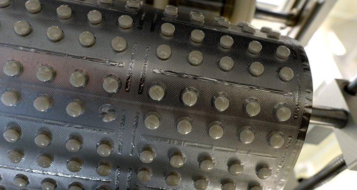 Производство лекарственных таблеток. Архивное фото