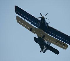 Ан-2-110 самолету. Архив