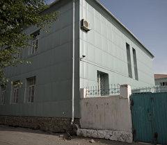 Здание столичной гимназии № 29 обшит алюкобондом. Архивное фото