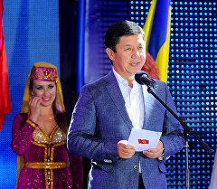 Премьер-министр Темир Сариев Чолпон-Атадагы эл аралык II Мейкин Азия популярдуу музыка фестивалынын ачылыш салтанатына катышты.