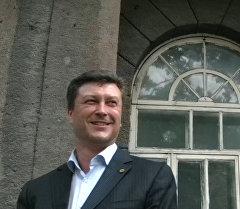В отношении генерального директора Beeline Олега Клочко Первомайский районный суд Бишкека избрал меру пресечения в виде домашнего ареста, сообщил Sputnik юрист компании Sky Mobile Дмитрий Ветлугин.
