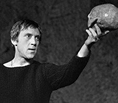 Белгилүү актер, ырчы Владимир Высоцкийдий архивдик сүрөтү