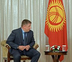 Президент Алмазбек Атамбаев РусГидро ишканасынын башкармалыгынын төрагасы Евгений Додду кабыл алды.