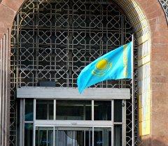 Флаг Казахстана. Архивное фото