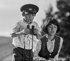 Роль Мальчика для Нургазы Сыдыгалиева была дебютной, через год он снимется в фильме Птицы наших надежд в роли Тимура