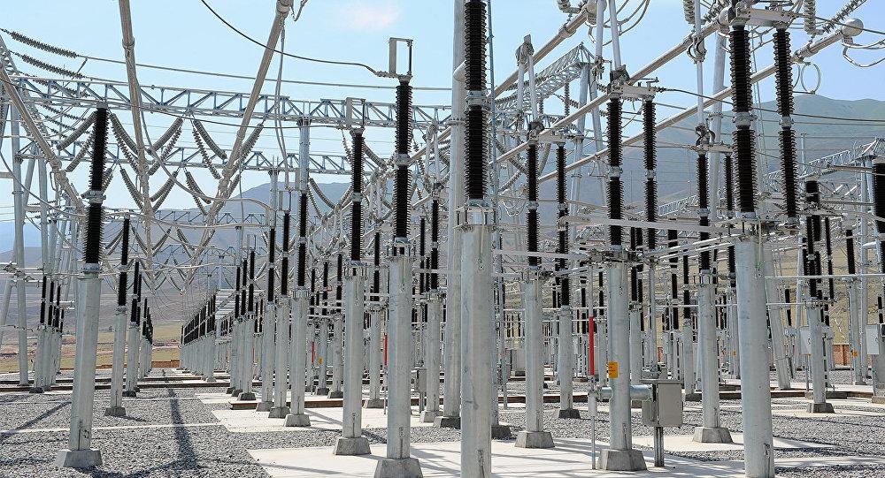 Воздушная линия электропередачи 500 киловольт Датка — Кемин. Архивное фото