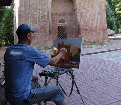 Социалдык-маданий Сонун Кыргызстаным долбоору картиналар аркылуу өлкөнүн ажайып кооздугун жар салат.