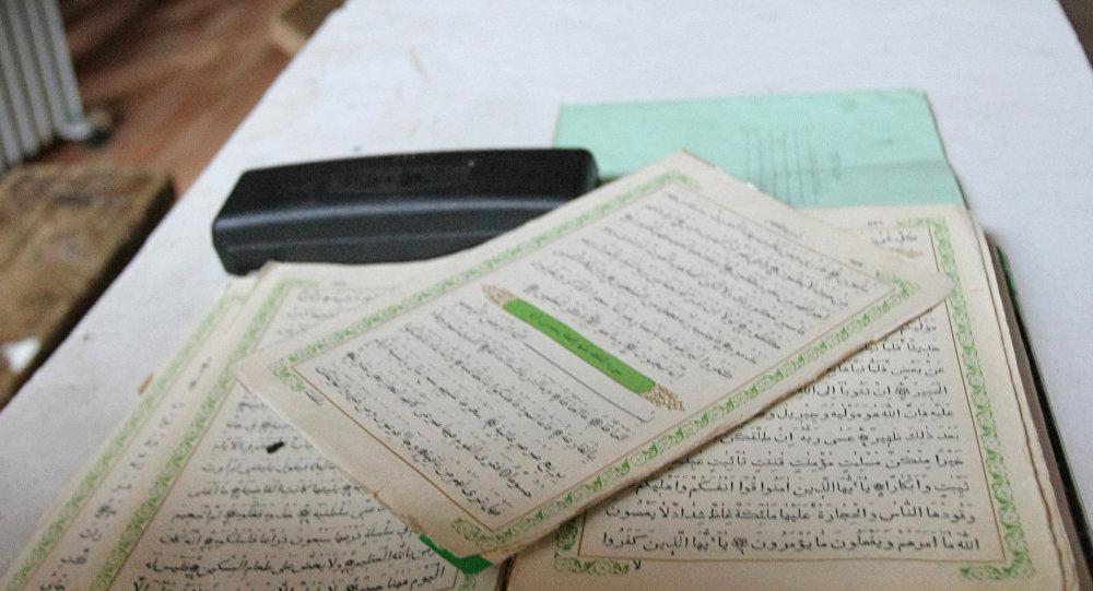 Коран в медресе. Архивное фото