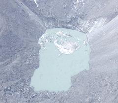 Специалисты МЧС совершили облет опасных высокогорных озер
