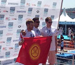 Любительская сборная команда Кыргызстана по плаванию.