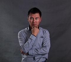 Дизайнер из Кыргызстана Суйун Дастанов. Архивное фото