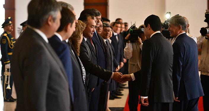 В ноябре 2014 года состоялся визит президента Кыргызстана в Туркменистан.