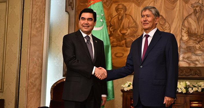 Атамбаев и президент Туркменистана Гурбангулы Бердымухамедов