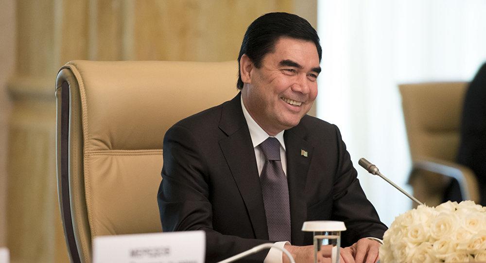 Президент Туркмении снова написал песню