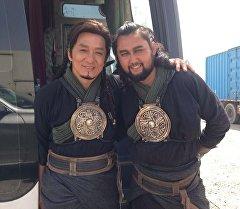 Актеры Элчоро Курман и Джеки Чан. Архивное фото