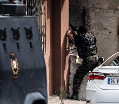 Турецкий спецназ в районе Султанбейли, Турция. Архивное фото