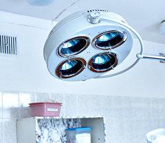 Операционная лампа. Архивное фото