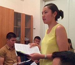 В Бишкекском межрайонном суде рассматривается заявление гражданки Жибек Орозбековой, которая подала в суд на правительство за бардак в маршрутках.