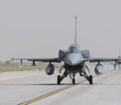 Истребитель Турецкой воздушной армии. Архивное фото