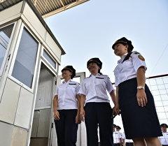 Сотрудники таможенной службы. Архивное фото