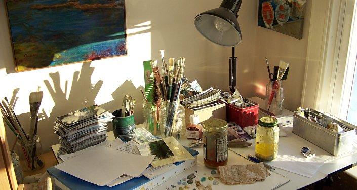 Рабочее место художника. Архивное фото
