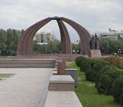 Бишкек шаарындагы Жеңиш аянты. Архив