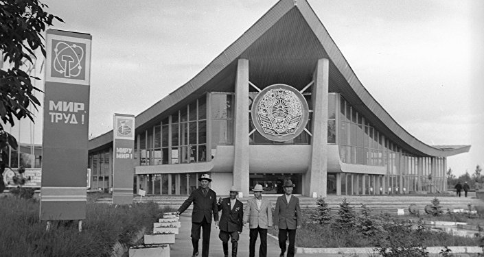 Главный павильон Выставки достижений народного хозяйства советской Киргизии