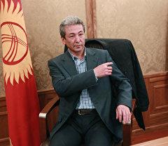 Бүтүн Кыргызстан Эмгек саясий партиясынын теңтөрагасы Адахан Мадумаров. Архив