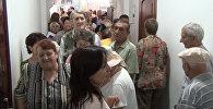 Ругань, давка и много пожилых — ситуация с бесплатной паспортизацией