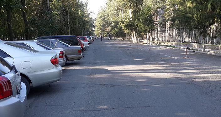 Перекресток Фрунзе — Тыныстанова, а также часть улицы возле МВД