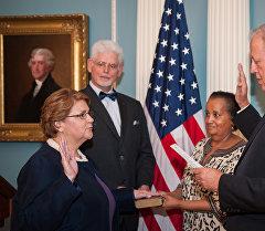 Шейла Гуолтни принесла присягу в качестве посла США в Кыргызстане