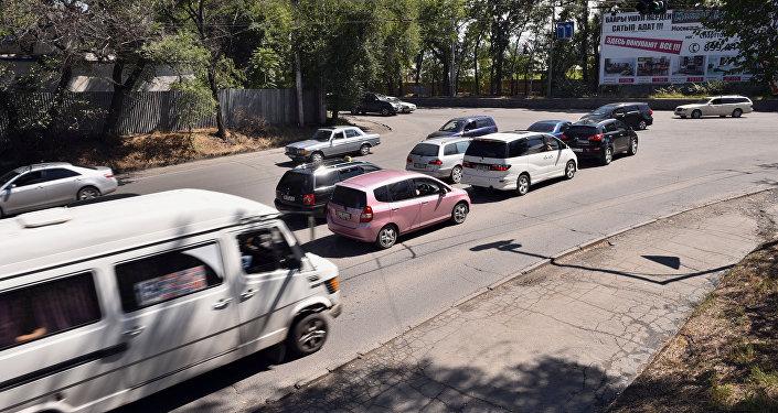 Автомобильная пробка. Архивное фото
