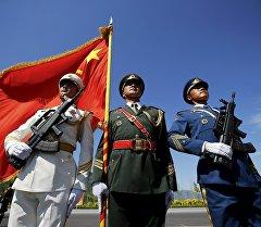 Кытай аскерлери Тяньаньмэнь аянтында. Архив