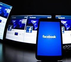 Социальная сеть Facebook. Архивное фото