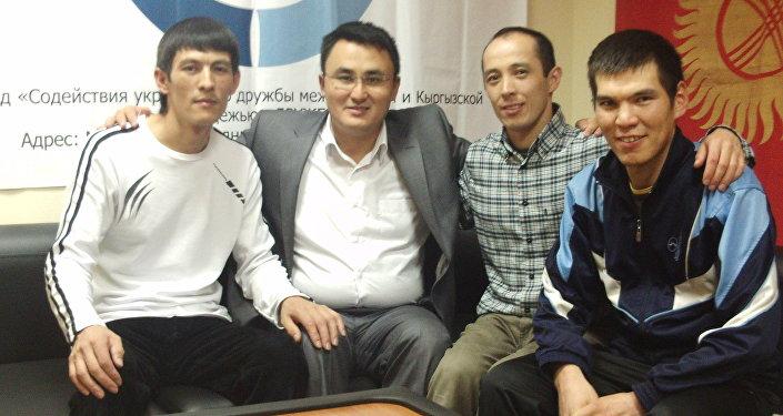 Кыргызстандык мекендештер менен.