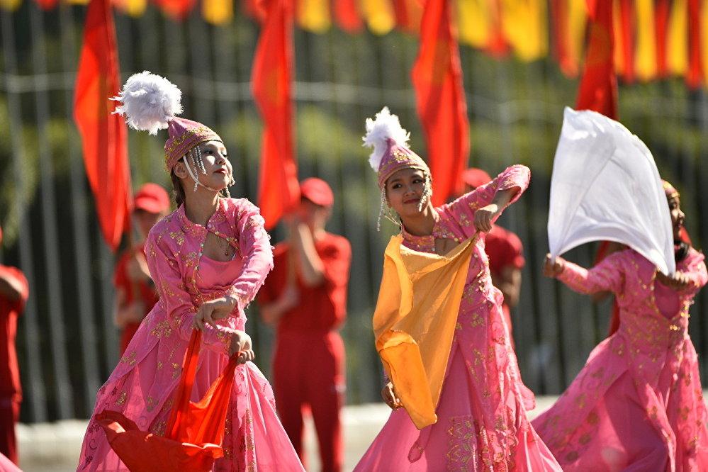 Кыргызстан 31-августта өз көз карандысыздыгынын 24 жылдыгын белгиледи