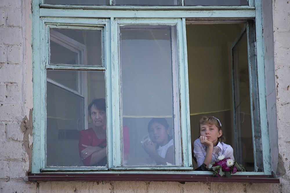 Первый звонок в школах Бишкека