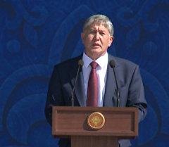Атамбаев: Кыргызстанды курмандыкка чалууга даяр саясатчылар да бар