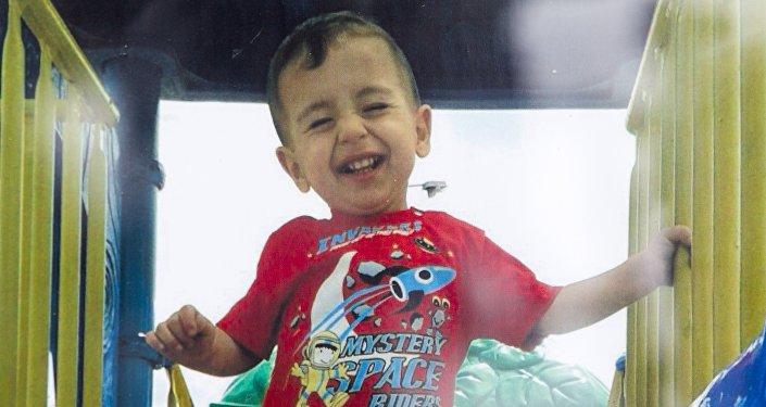 В среду на берег пляжа турецкого курортного города Бодрум море вынесло тело двухлетнего Айлан Курди