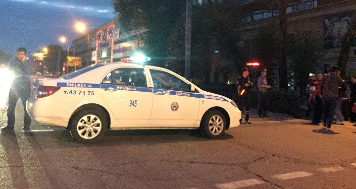Милиция ищет бомбу в здании Детского мира на проспекте Чуй