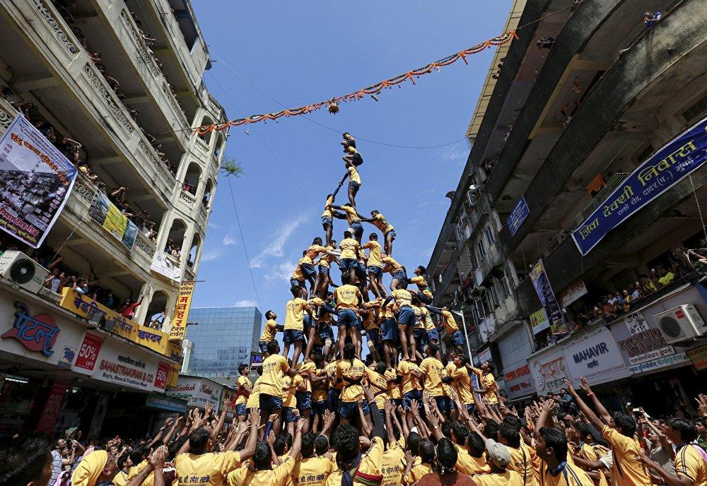Фестиваль в Шри Кришна Джанмаштами в Индии