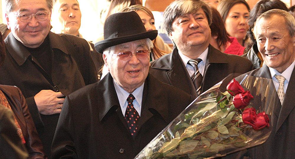 Мамлекеттик жана саясий ишмер Турдакун Усубалиев. Архив