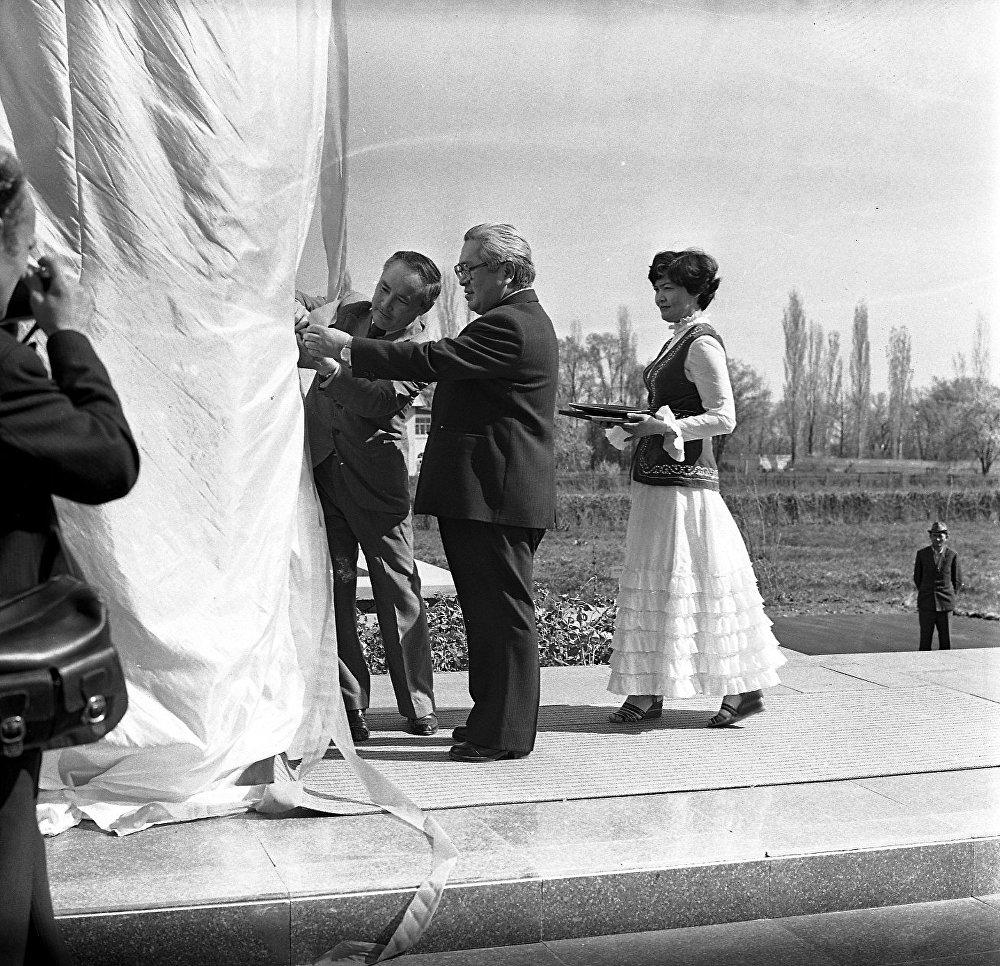 Открытие памятника В.И.Ленину на ВДНХ