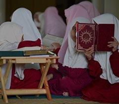 Воспитаницы исламской школы. Архивное фото